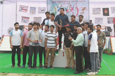 Prize distribution ceremony.